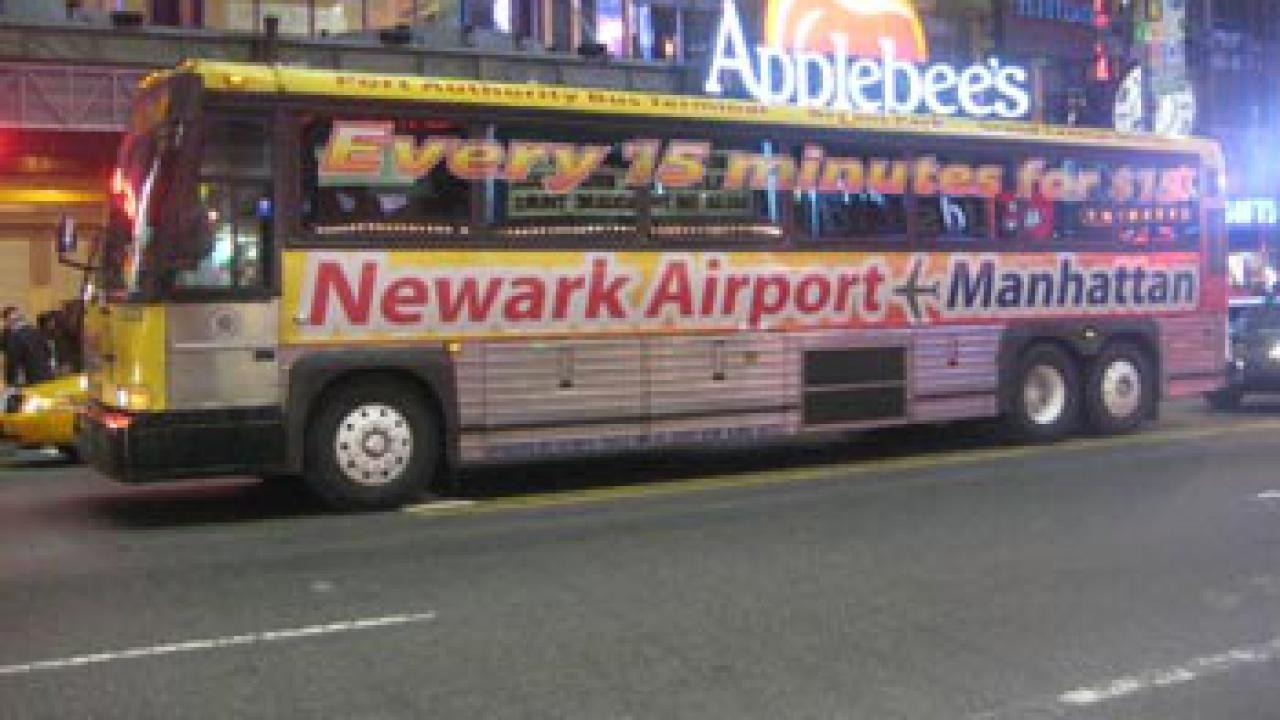 NEWARK Liberty Airport (Flughafen) ⇒ Transfer Manhattan